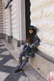 Wearing: Taifun coat, Silvian Heach jeans, Rinascimento hat, Just Cavalli shoes, Cavalli Class bag and Dolce & Gabbana sunglasses.