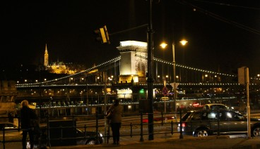 The Chain Bridge again, this time during night!