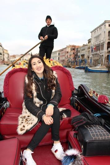A photo in a gondola is a must in Venezia.!